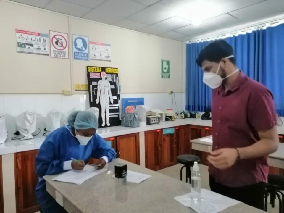 Estudiantes de las Carreras de Enfermería y Laboratorio Clínico no podrán culminar sus prácticas, hasta esperar las nuevas decisiones del COE